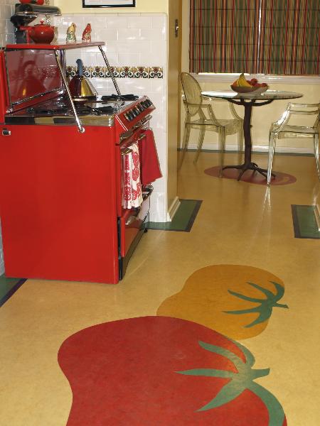 vintage- kitchen- with- red- range