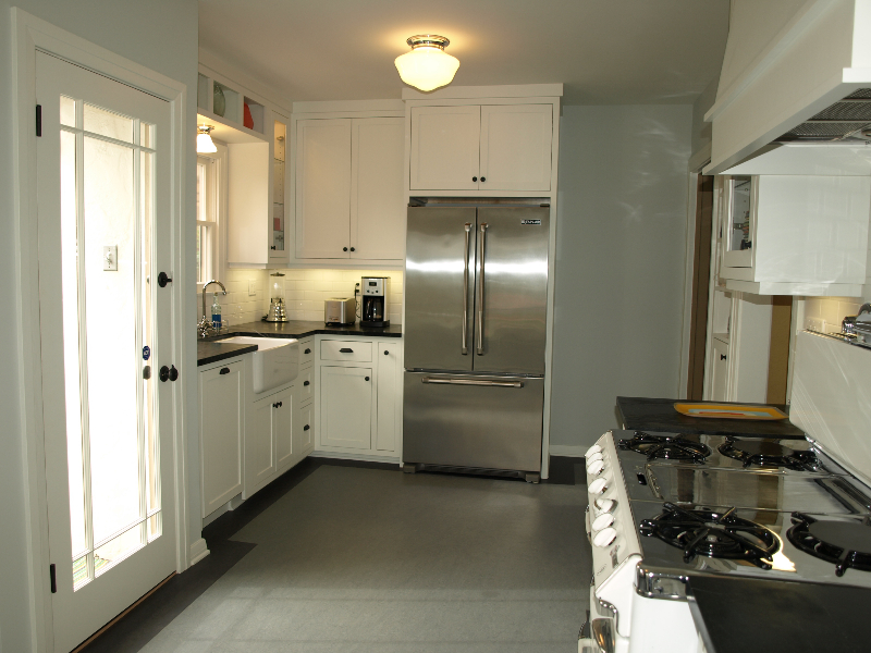 Petite-Period-Kitchen